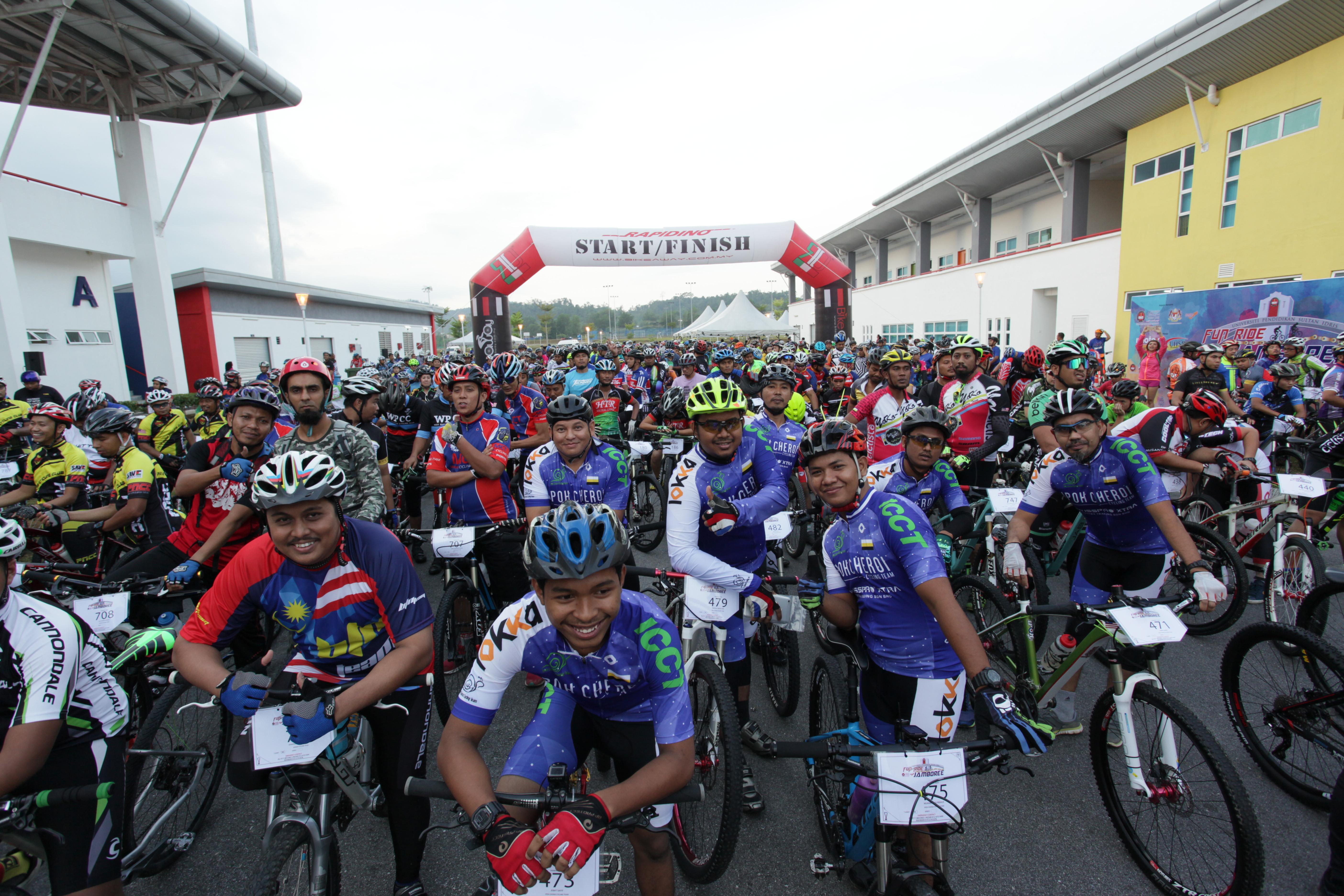 1142 sertai UPSI Fun Ride Jamboree 2016