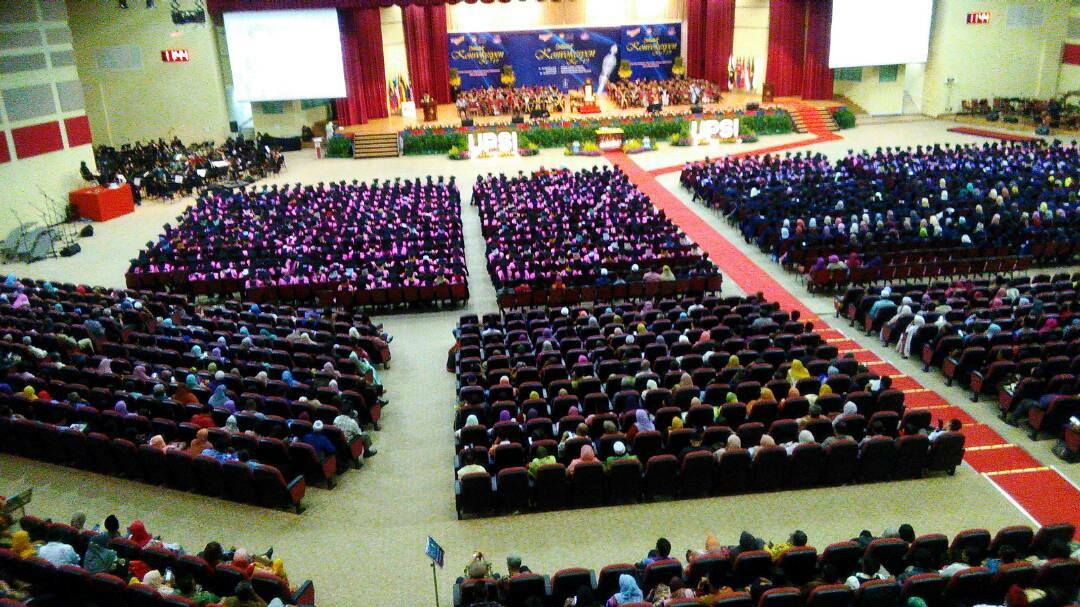 More than 5000 Graduates Received UPSI'S Diplomas and Degrees